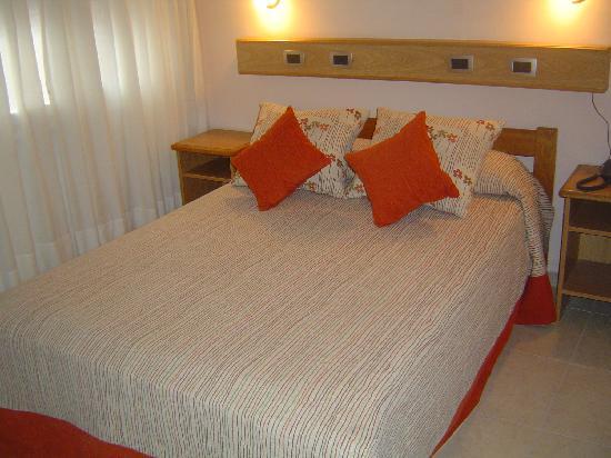 Alex Hotel: Habitación