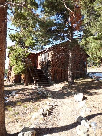 Shoshoni Yoga Retreat: outside of cabin 3e
