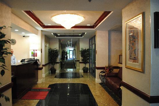 Hampton Inn - College Park: Hotel Lobby