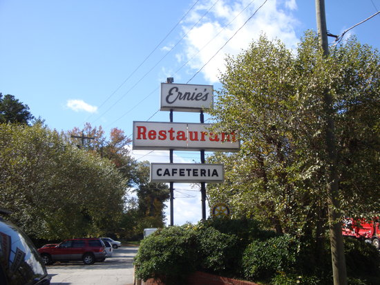 Ernie's Restaurant: View from the highway.