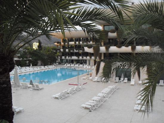 Hotel Deloix Aqua Center: large and sunny pool area