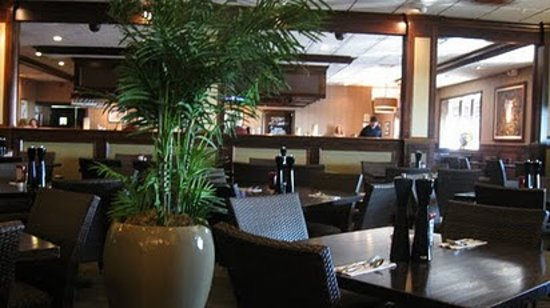 Hemingway S Prime Steaks Seafood Restaurant Nice Decor Empty Seats Not Indicative Of Quality