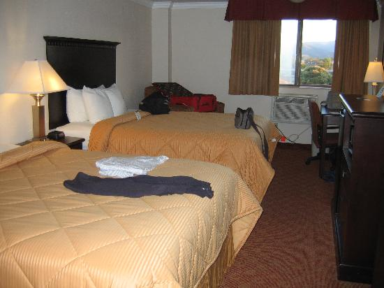 Lompoc Valley Inn & Suites: chambre