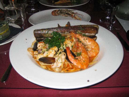 CoGoni's Ristorante Italiano: Seafood Linguine