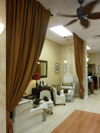 Salon and Spa Botanica: Relaxing pedicure station