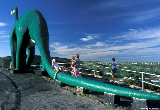 The Rushmore Hotel & Suites: Dinosaur park