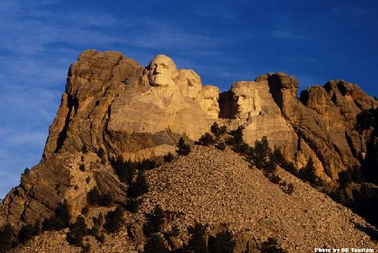 The Rushmore Hotel & Suites: Minutes from Mt. Rushmore