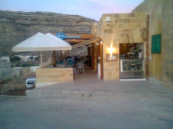 San Lawrenz, Malta: Uniquely situated on the water`s edge of the picturesque Dwejra inland sea, our restaurant is re