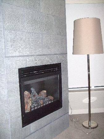 The Sidney Pier Hotel & Spa: Fireplace too