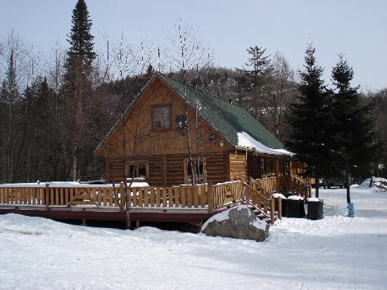 La Pourvoirie du Lac Berval: Auberge