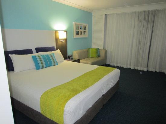 Sea World Resort: King Bed Garden Room