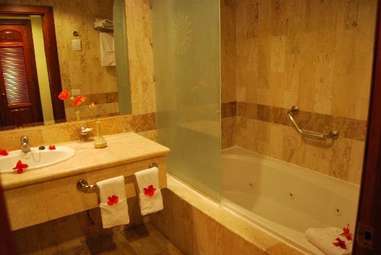 Grand Bahia Principe Bavaro: Salle de bain