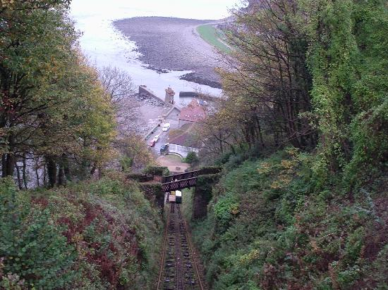 Lynton, UK : Railway down to Lynmouth was closed