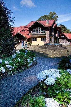 Hotel Chalet Tirol: Exterior Hotel