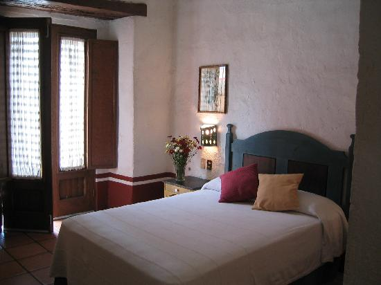 Hotel Azucenas: Our Rooms are Charming and Exceedingly Clean!