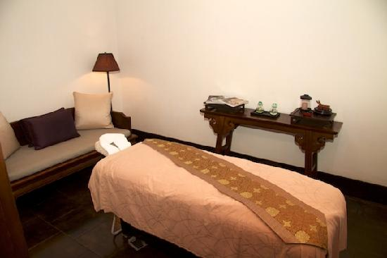Aman Summer Palace: Massage room of Imperial Suite