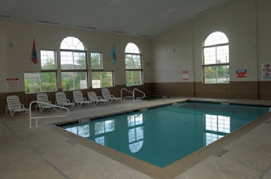 BEST WESTERN Cooperstown Inn & Suites: Best Western Swimming Pool
