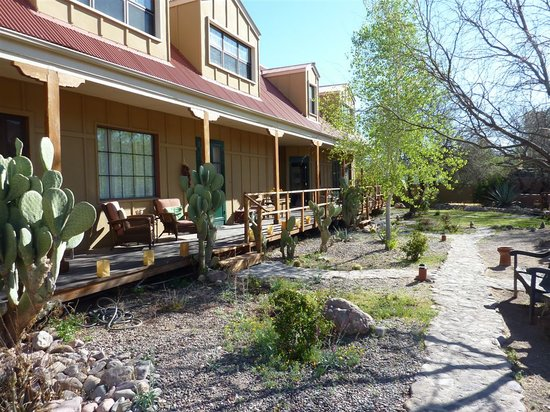Tubac Country Inn: Porch