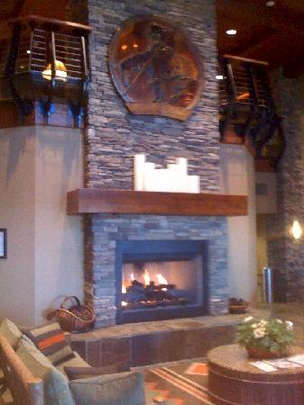 The Lodge at Feather Falls Casino : Feather Falls Lobby