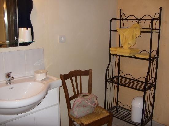 Le Moulin au Fil de l'Eau : Bathroom fittings
