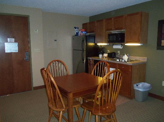 Suites at Silver Tree: Kitchenette