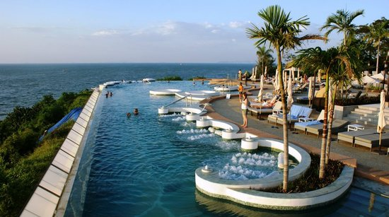Royal Cliff Grand Hotel: Super infinity pool with jacuzzi