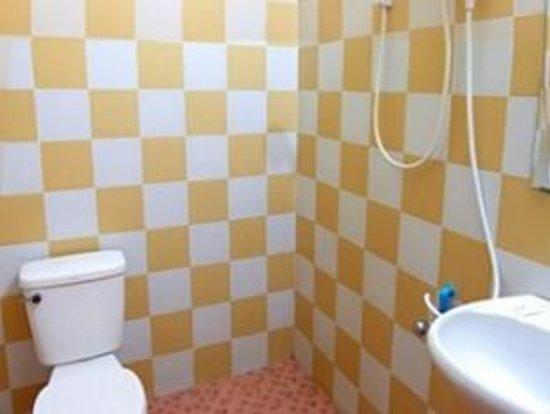The Dancing Frog Hostel : Superior room bathroom