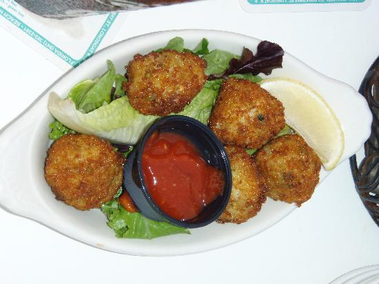 Bradenton Beach, FL: Conch fritters