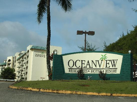 Oceanview Hotel & Residences: Hotel outside