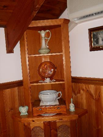 Sandiacre House : Furniture in the room