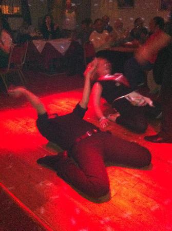 Christakis Greek Taverna : Greek Dancing!