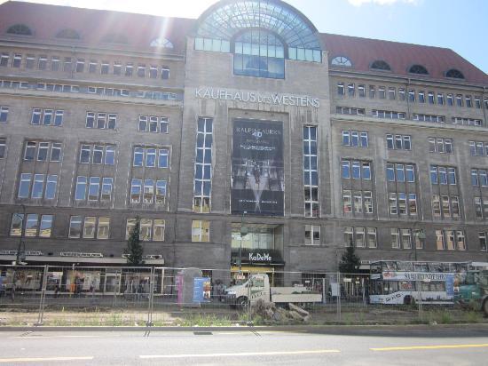 Kaufhaus des Westens (KaDeWe): La facciata del KaDeWe
