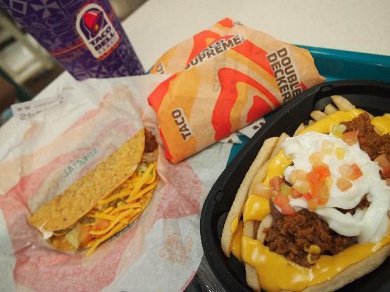 Taco Bell: ポテトのナチョスっぽいやつ。これはイマイチでしたね。