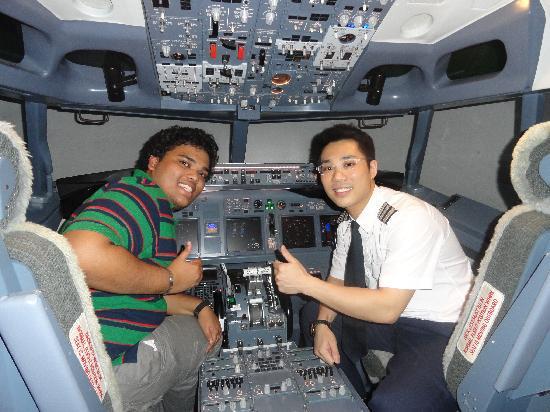 Flight Experience Flight Simulator: with the captain