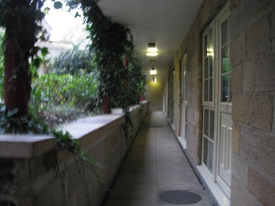 The Garrison Hotel: Garrison Hotel Courtyard Rooms