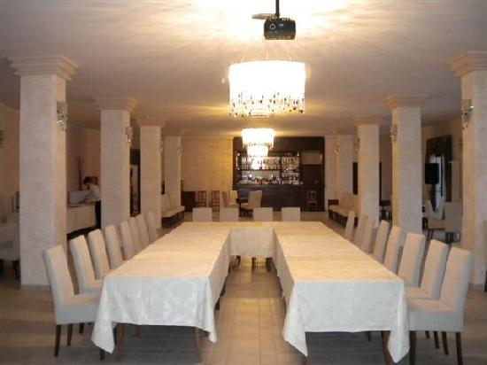Club Insieme Grand Resort: Conference room