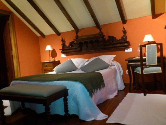 Hotel Rural Cabo Busto: Habitación matrimonial