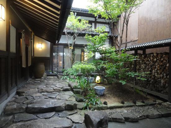โอยาโดะ โคโตะ โนะ ยูเมะ: 玄関