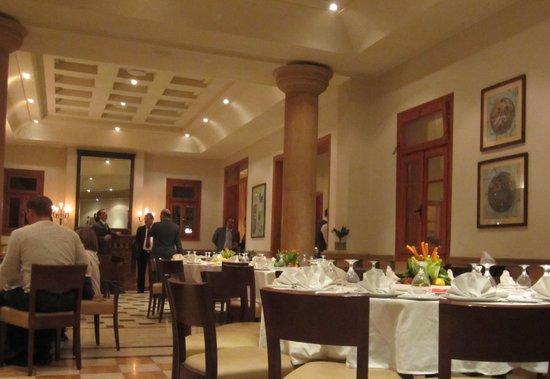 Fakhreldin Restaurant: Ambience was OK
