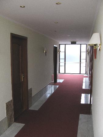 Tihany Atrium : Hallway