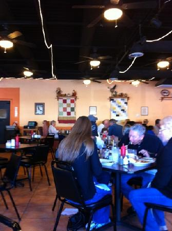 Dixie Belles Cafe: Saturday Morning at Dixie Nelles