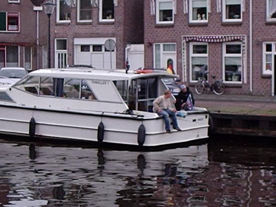 Sneek, Нидерланды: in einer Stadt im Haffen
