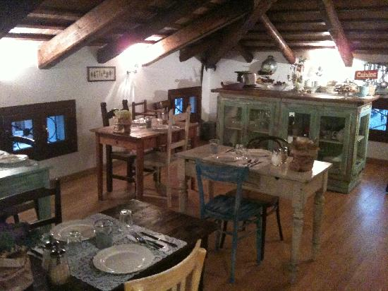 Locanda San Tomaso : The dining room, in the afternoon