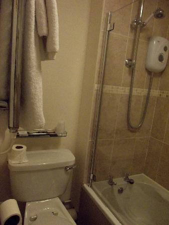 Best Western Limpley Stoke Hotel: Bathroom