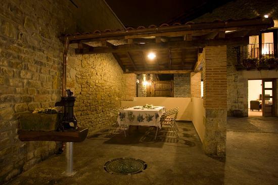 Agroturismo Arkaia. Antiguo lavadero acondicionado como cenador
