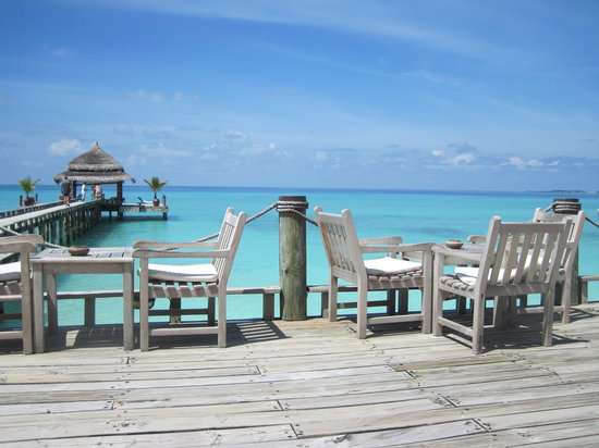 Kuramathi Island Resort: Terrace of Laguna Bar