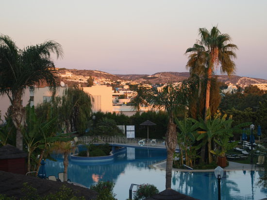 Atlantica Bay Hotel : pool area at dusk