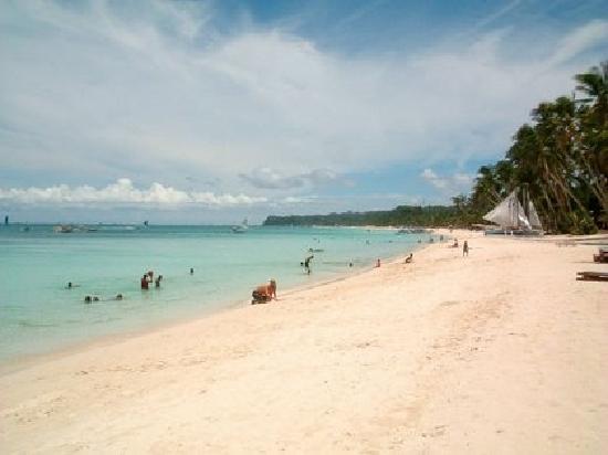 Island Jewel Inn: Boracay Beach