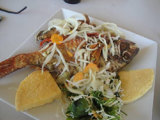 Port Royal, Jamaika: Fried Fish with Fried Bammy