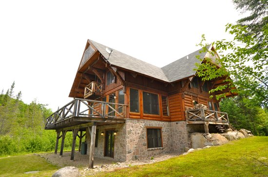 Tremblant Mountain Chalets: 5 Bedroom Chalet